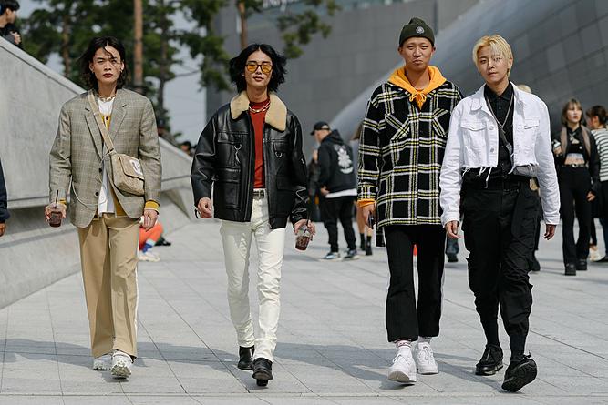 Gu thời trang khác biệt của các bạn trẻ đến từ Hàn Quốc. Ảnh:Vogue.
