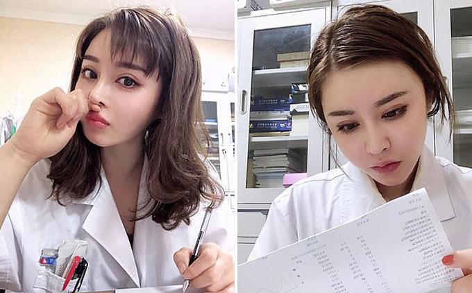 Nữ bác sĩ mặt học sinh thân hình phụ huynh