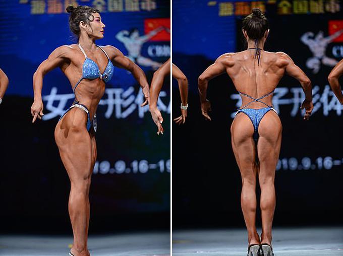 Nữ bác sĩ mặt học sinh thân hình phụ huynh - 2