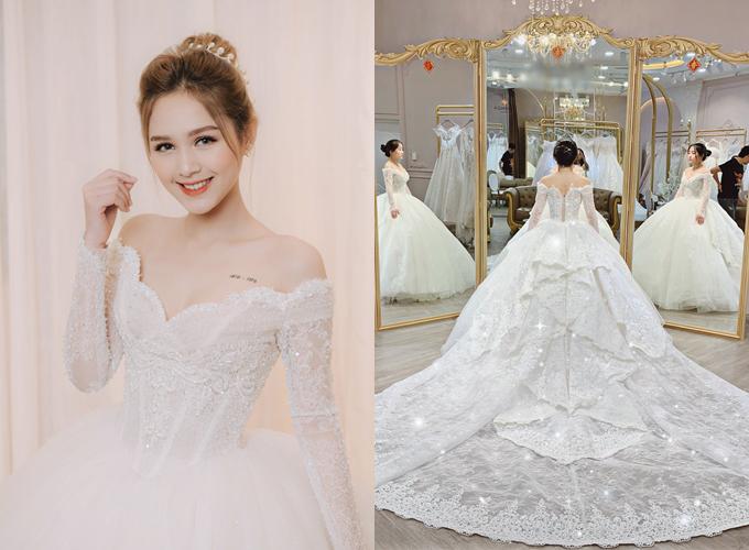[Caption]Váy cưới elizabeth lấy cảm hứng từ váy cưới nữ hoàng elizabeth Ii