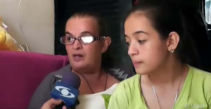 Sharik và mẹ, bà Marleny, đang rất mong sẽ nhận được sự giúp đỡ từ các cơ quan chức năng. Ản: Caracol.