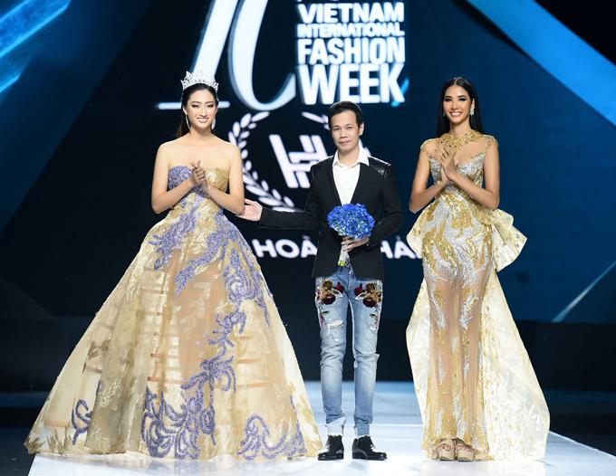 NTK Hoàng Hải (giữa) được Lương Thùy Linh và Hoàng Thùy tháp tùng lên sân khấu chào khán giả ở cuối chương trình.