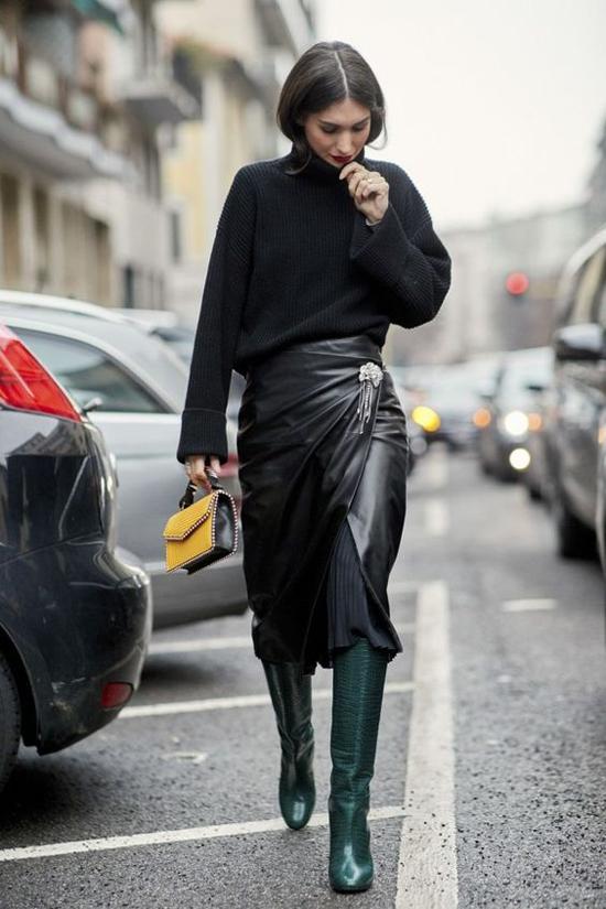 Da còn được phối hợp cùng len để mang tới các kiểu trang phục vừa cá tính vừa có khả năng giữ ấm cao cho người mặc.