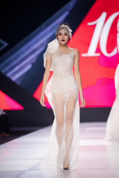 Linh Rin làm vedette show Lek Chi - page 2 - 7
