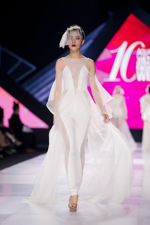Linh Rin làm vedette show Lek Chi - page 2 - 8