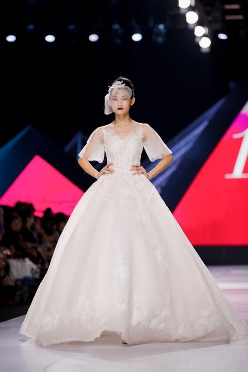 Linh Rin làm vedette show Lek Chi - page 2 - 11