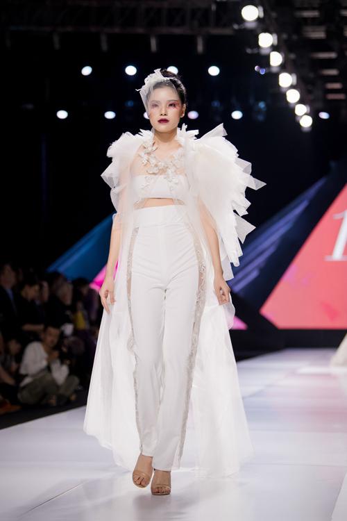 Linh Rin làm vedette show Lek Chi - page 2 - 12