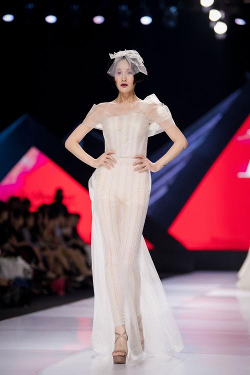 Linh Rin làm vedette show Lek Chi - page 2 - 4