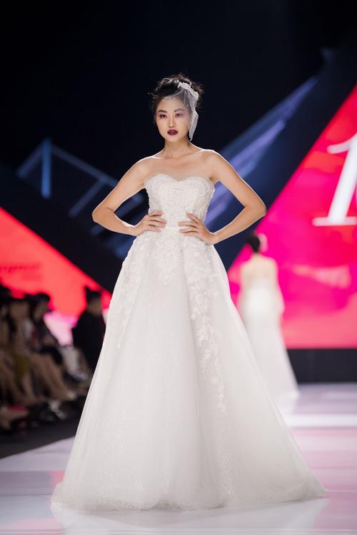 Linh Rin làm vedette show Lek Chi - page 2 - 3