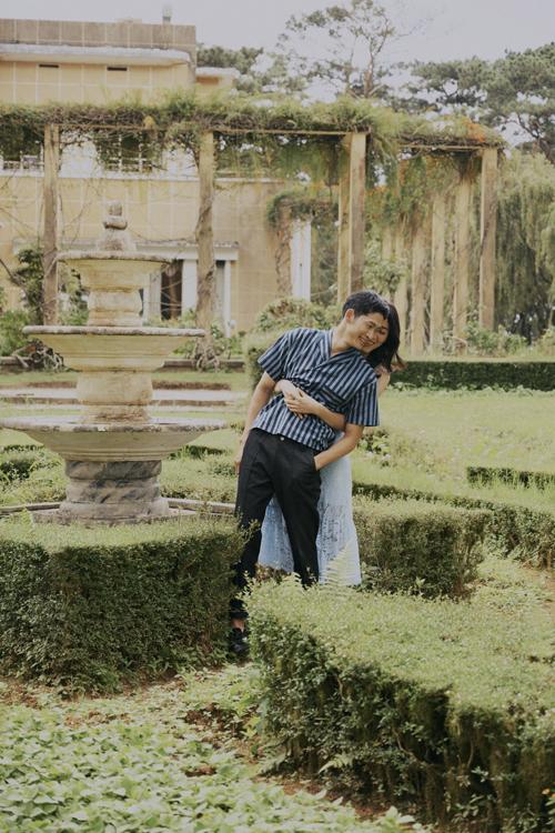 Là con trai độc đinh, Minh Tùng đã phải suy nghĩ nhiều khi quyết định gây dựng lại sự nghiệp ở mảnh đất Hà Nam quê vợ bởi anh xem trọng cuộc sống hôn nhân, muốn gia đình gắn bó.