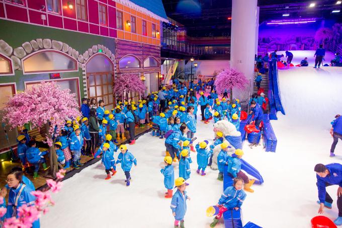 Khu vui chơi Snow Town Sài Gòn như một thị trấn tuyết thu nhỏ. Ảnh: Snow Town Sài Gòn.