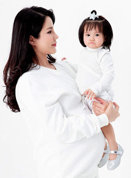 Diệp Lâm Anh gọi bé Boorin là siêu quậy. Cô mong con gái càng lớn càng ngoan ngoãn, biết nghe lời bố mẹ, ông bà.