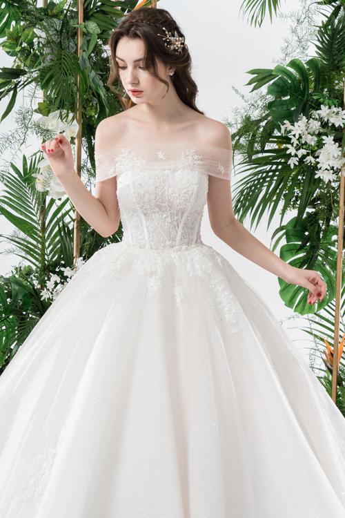 Váy cưới 2 trong 1 lấy cảm hứng từ đóa hoa - page 2