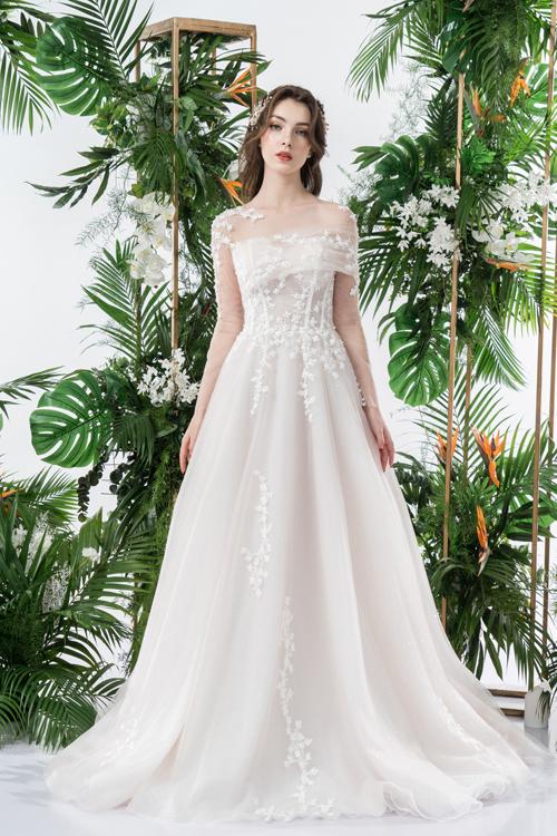 Váy cưới 2 trong 1 lấy cảm hứng từ đóa hoa - page 2 - 4