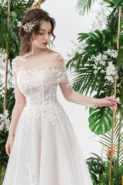 Váy cưới 2 trong 1 lấy cảm hứng từ đóa hoa - page 2 - 5