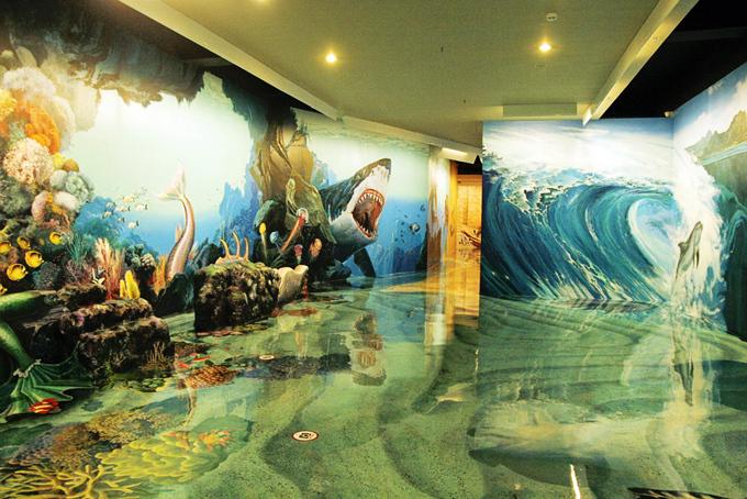 Bức tranh đại dương kỳ vĩ tại Bảo tàng tranh 3D Artinus. Ảnh: Di Vỹ.