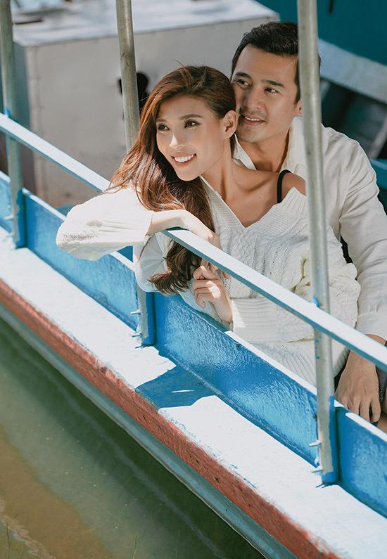 Thuý Diễm hạnh phúc vì có người chồng nói ít, làm nhiều và luôn yêu thương, là chỗ dựa vững chắc cho cô.