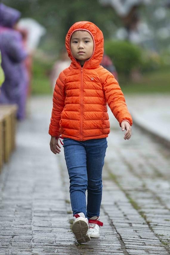 Dàn mẫu nhí sẽ giới thiệu các mẫu trang phục đến từ nhiều thương hiệu thời trang và nhà thiết kế như: Ada Anh Trương, Nguyễn Minh Công...