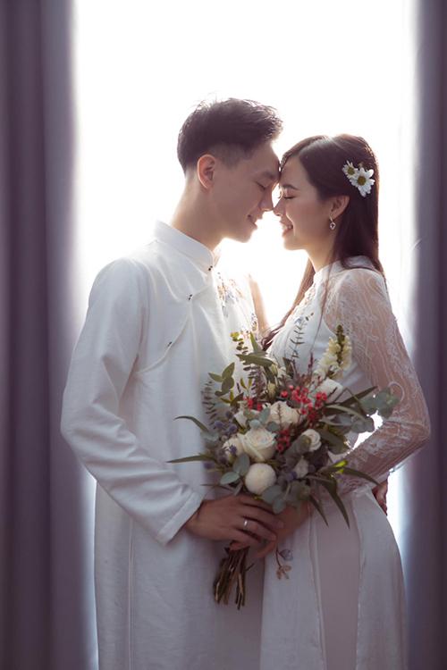 Chia sẻ vớiNgoisao.net,uyên ương cho biết sẽ tổ chức lễ cưới ngày 15/11 ở Hà Nội.