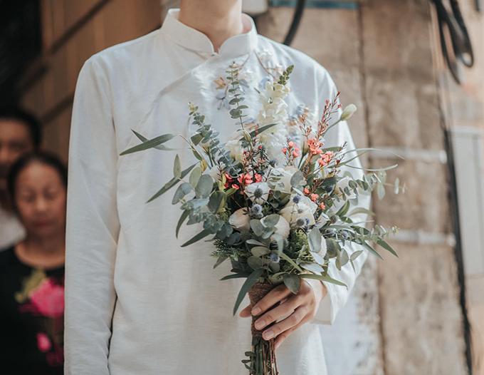Hoa cưới cũng do cô dâu chuẩn bị.