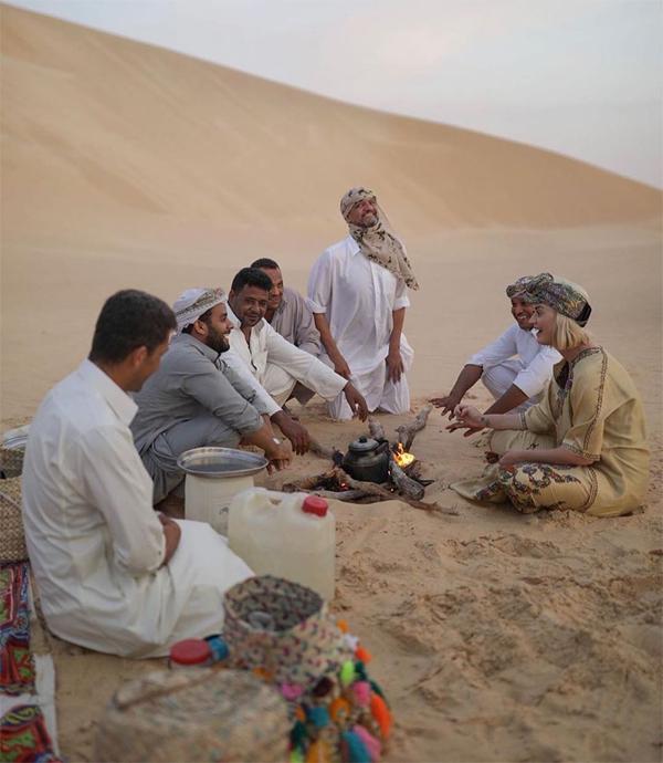 Nữ ca sĩ đã có nhiều trải nghiệm thú vị trên sa mạc.
