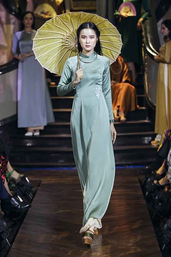 Nghệ sĩ Như Quỳnh diễn thời trang cùng Hồng Ánh - 7