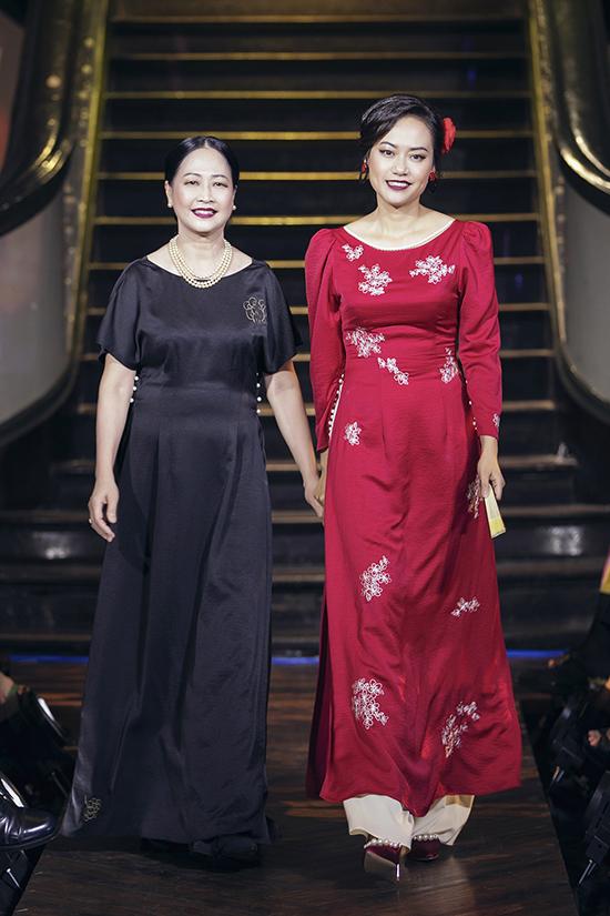 Nghệ sĩ Như Quỳnh diễn thời trang cùng Hồng Ánh - 1