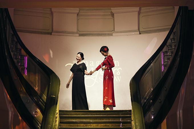 Nghệ sĩ Như Quỳnh diễn thời trang cùng Hồng Ánh
