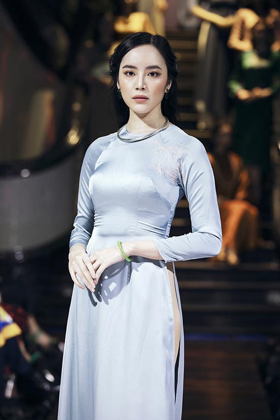 Nghệ sĩ Như Quỳnh diễn thời trang cùng Hồng Ánh - 8