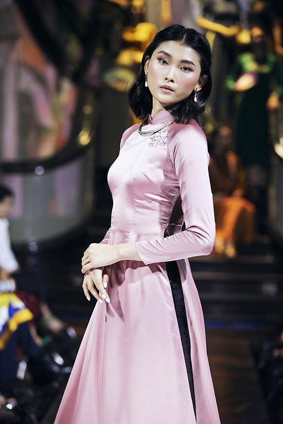 Nghệ sĩ Như Quỳnh diễn thời trang cùng Hồng Ánh - 10
