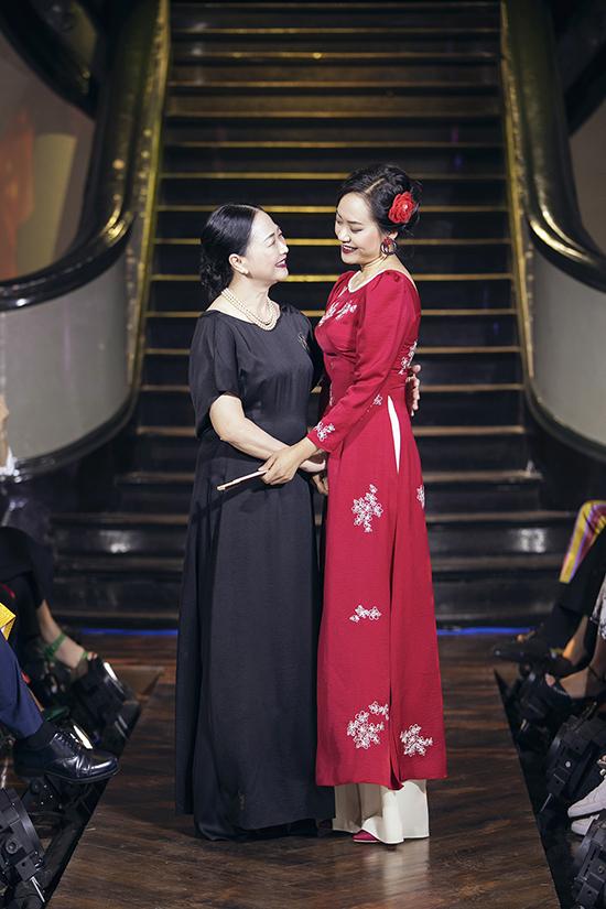Nghệ sĩ Như Quỳnh diễn thời trang cùng Hồng Ánh - 4