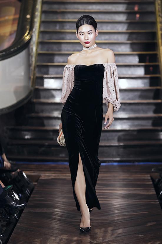 Bộ sưu tậpvới hơn hai mươi mẫu trang phụcđậm chất cổ điển và mang đặc trưng trong phong cách thiết kếcủa Tú Ngô và Nguyễn Minh Phúc.