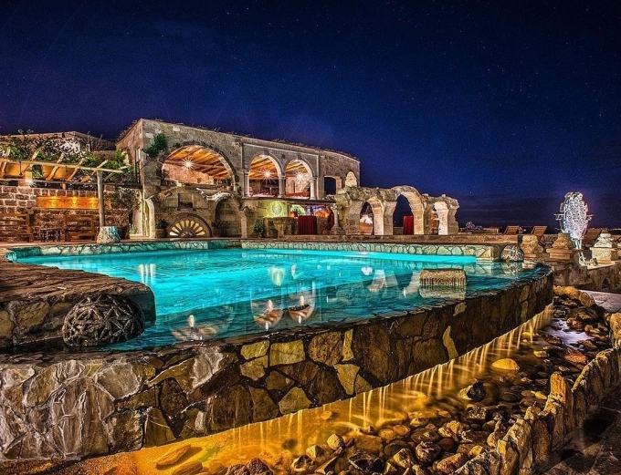 Vũ Khắc Tiệp phá ràotrèo ra khu vực cấm ngắm cảnh Cappadocia