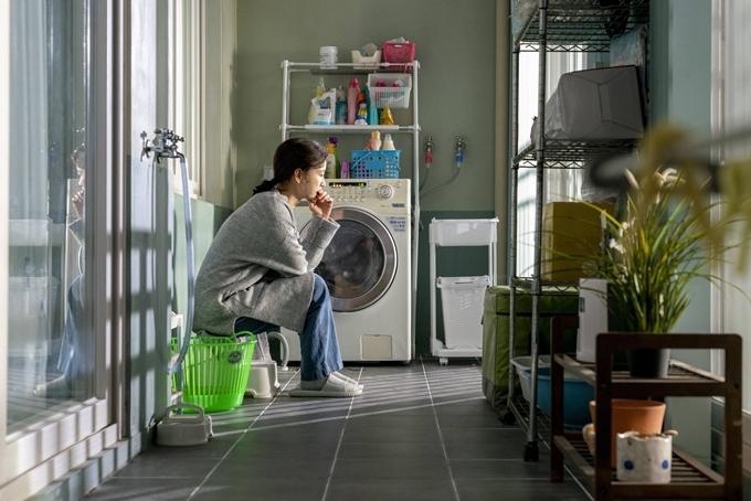 Ji Young cất giữ ước mơ, không tìm thấy niềm vui trong cuộc sống hiện tại.