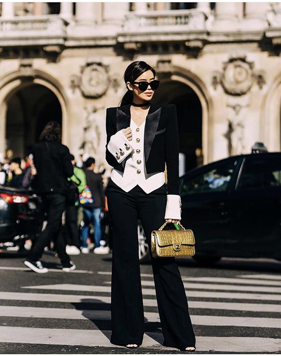 Không ít lần nhận được đánh giá trái chiều về gu thẩm mỹ, vì thếThảo Tiên khiến khán giả trong nước bất ngờ khi lần đầu tiên lọt vào danh sách The best street style của Paris Fahsion Week 2020 do tạp chí ELLE quốc tế chọn lựa.
