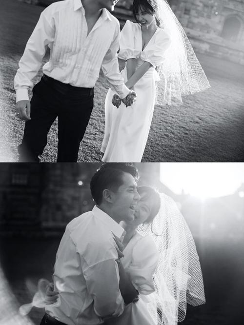 Váy tối giản dáng A được Lê Thanh Hòa khai thác từ chất liệu organza, mang hơi hướng cổ điển, có cổ chữ V xẻ ngực không quá sâu.