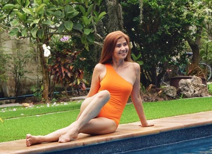 Đủ kiểu đồ bơi của quý bà U60 - 7