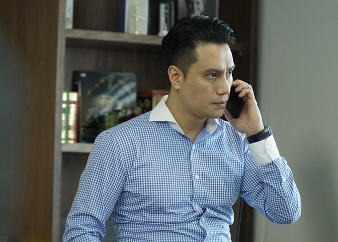 Việt Anh đảm nhận vai Vũ, một doanh nhân thao túng nhiều quan chức ở tỉnh Việt Thanh trong phim Sinh tử.