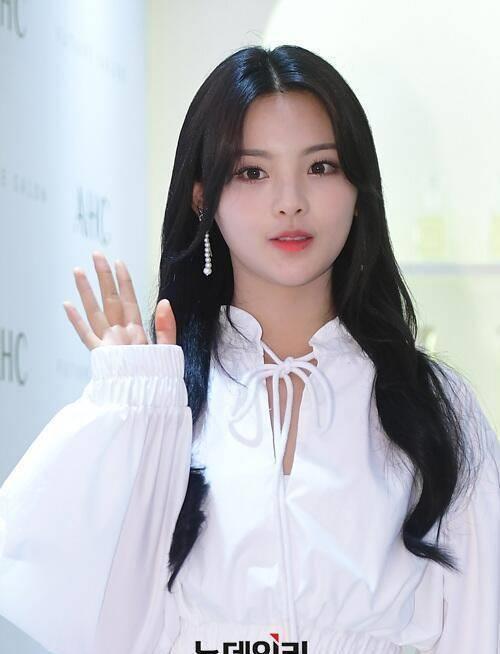Mỹ nhân đẹp nhất Trung Quốc được báo Hàn khen ngợi - 1