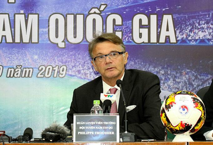 HLV Troussier được kỳ vọng đào tạo ra thế hệ cầu thủ tài năng mới cho Việt Nam.