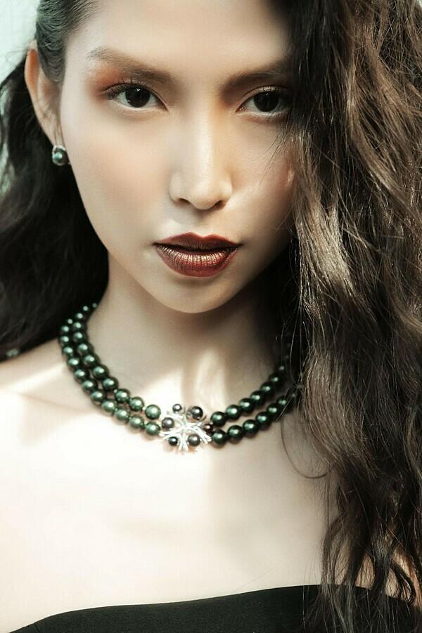 Hoa hậu như Tiểu Vy, Lương Thùy Linh, Hằng Nguyễn, Lê Thanh Thảo, Thùy Dương tham gia biểu diễn trong show Another Day.