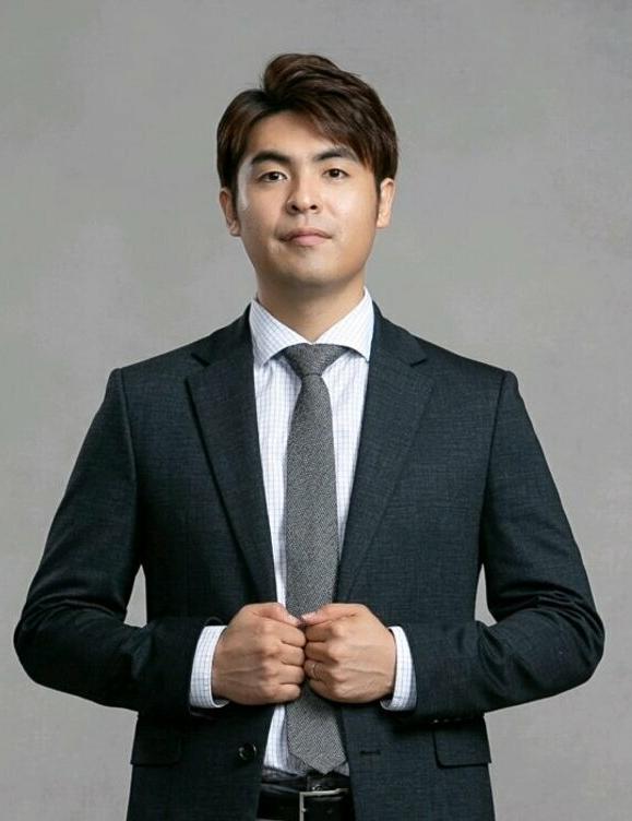 Lee Dong-jun muốn mang nhiều cầu thủ châu Á khác sang châu Âu thi đấu.
