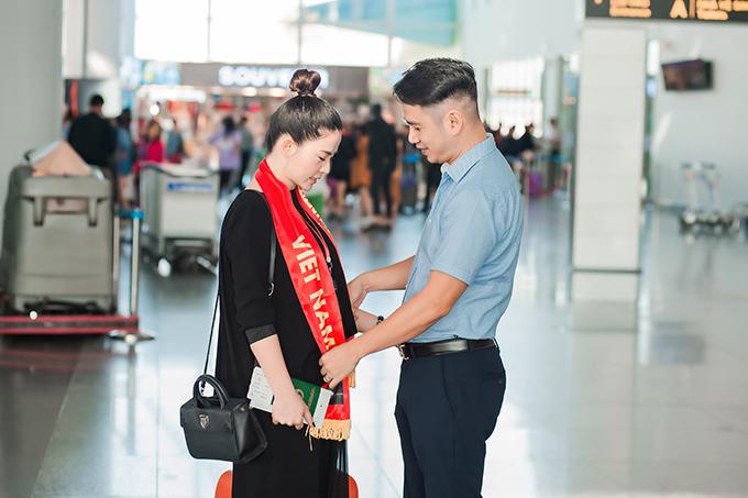 Cựu thành viên nhóm Đồ Rê Mi rất tự hào về ông xã. Anh đã đến bên cô thời điểm khó khăn nhất và quyết định rời Australia về Việt Nam để cùng nhau xây dựng gia đình.