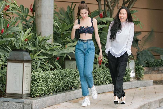 Ngọc Trinh và Phượng Chanel thân thiết như chị em nhiều năm nay. Khi rảnh rỗi hai người hay rủ nhau đi uống cà phê, tám chuyện về làng giải trí và những sở thích chung như thời trang, làm đẹp.
