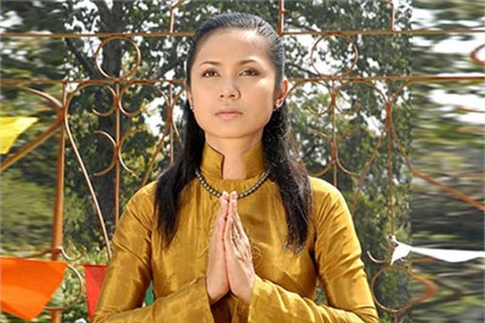 Việt Trinh từng có giai đoạn ở ẩn vì gặp sóng gió tình cảm, sau đó trở lại nghệ thuật vào năm 2008, là nhà sản xuất kiêm diễn viên của phim Duyên trần thoát tục. Nữ diễn viên tiếp tục tham gia diễn xuất qua các dự án: Những đóa hoa tình yêu, Câu chuyện cuối mùa thu... nhưng không gây tiếng vang.