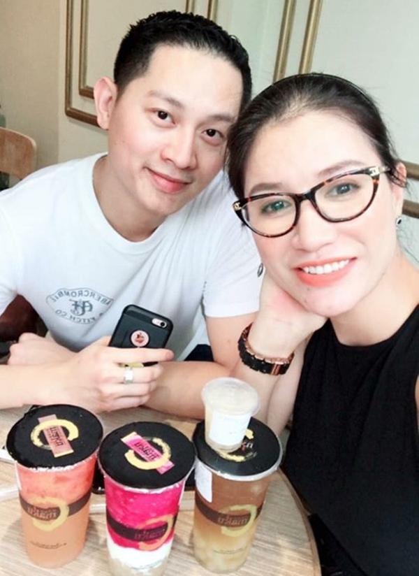 Trang Trần và chồng hiếm dịp bên nhau.