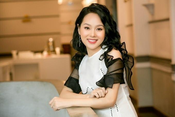 Hoàng Quyên trong buổi giới thiệu liveshow hôm 6/7 tại Hà Nội.