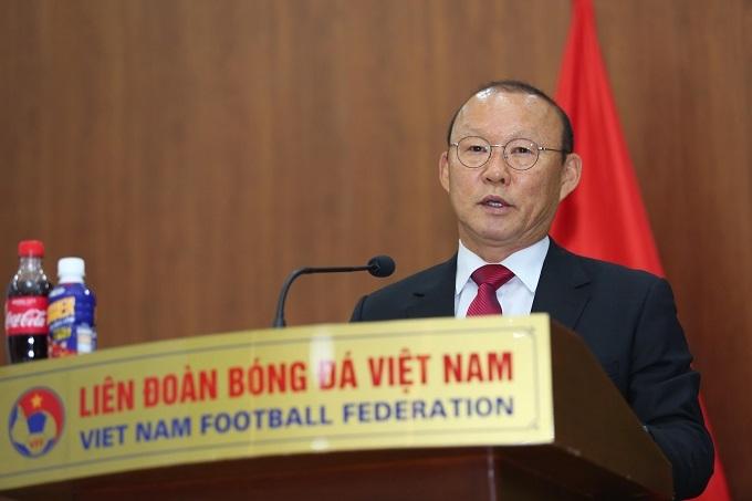 HLV Park khẳng định tình cảm chân thành với người hâm mộ Việt Nam. Ảnh: Đương Phạm