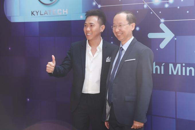 Tham gia sự kiện còn có diễn thuyết gia, cố vấn doanh nghiệp cao cấpFrancis Hùng. Ông hiện là thành viên trong ban quản trị với vai trò cố vấn chiến lược cho Công ty cổ phần Kylatech và dự án Inline Marketing. Ông sẽcố vấn và hoạch định chiến lược cho các dự án Marketing dựa trên định hướng của doanh nghiệp và tình hình kinh tế.
