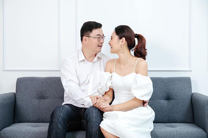 Hương Giang và ông xã người Trung Quốc.